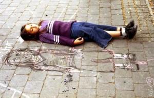 El amigo imaginario es parte de la etapa del pensamiento mágico de los niños.