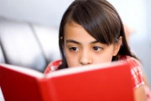 Con el tratamiento adecuado, los niños disléxicos pueden disfrutar también de la lectura.